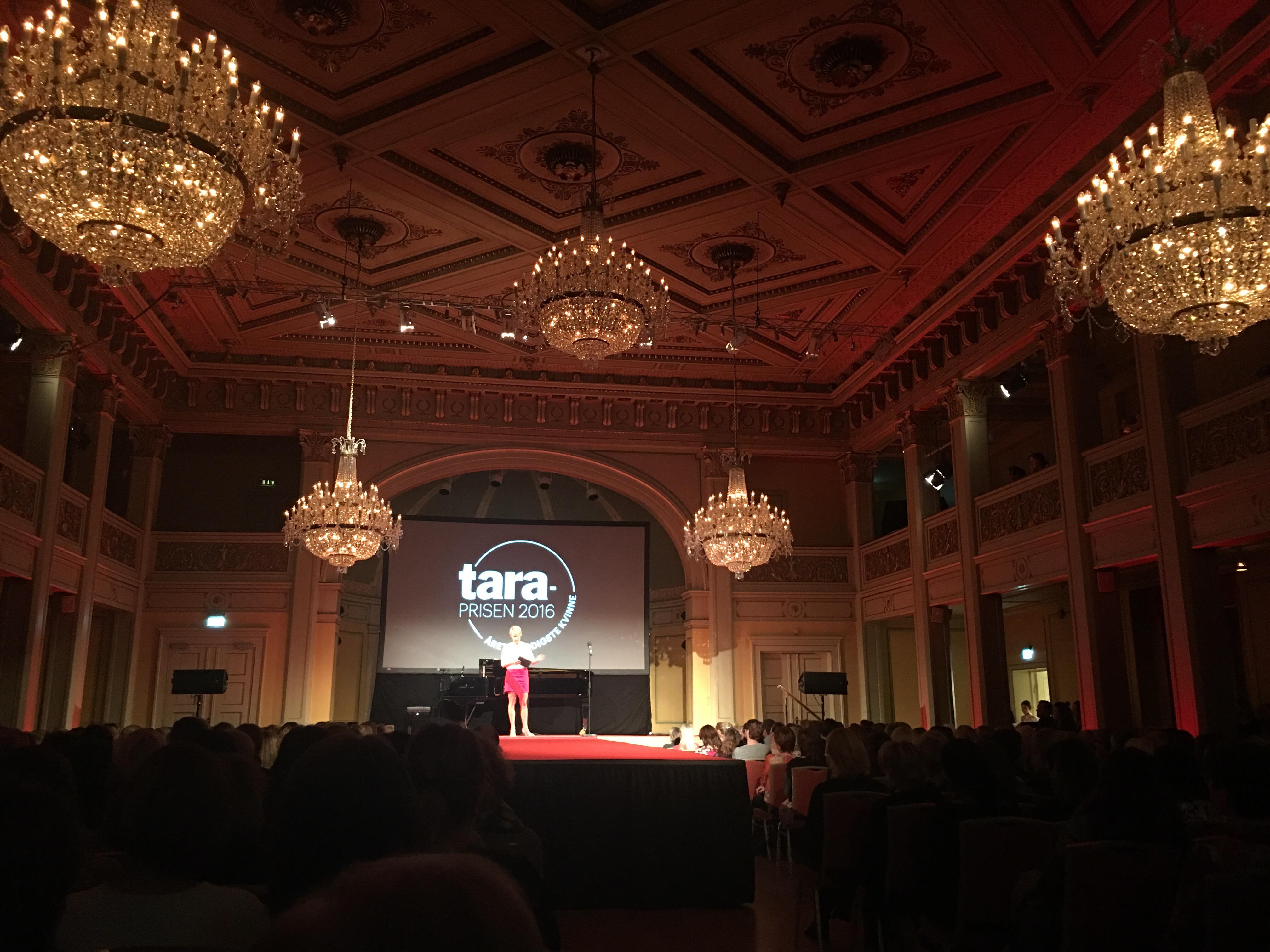 Tara-prisen 2016! Tara kårer årets modigste kvinne på Gamle Logen